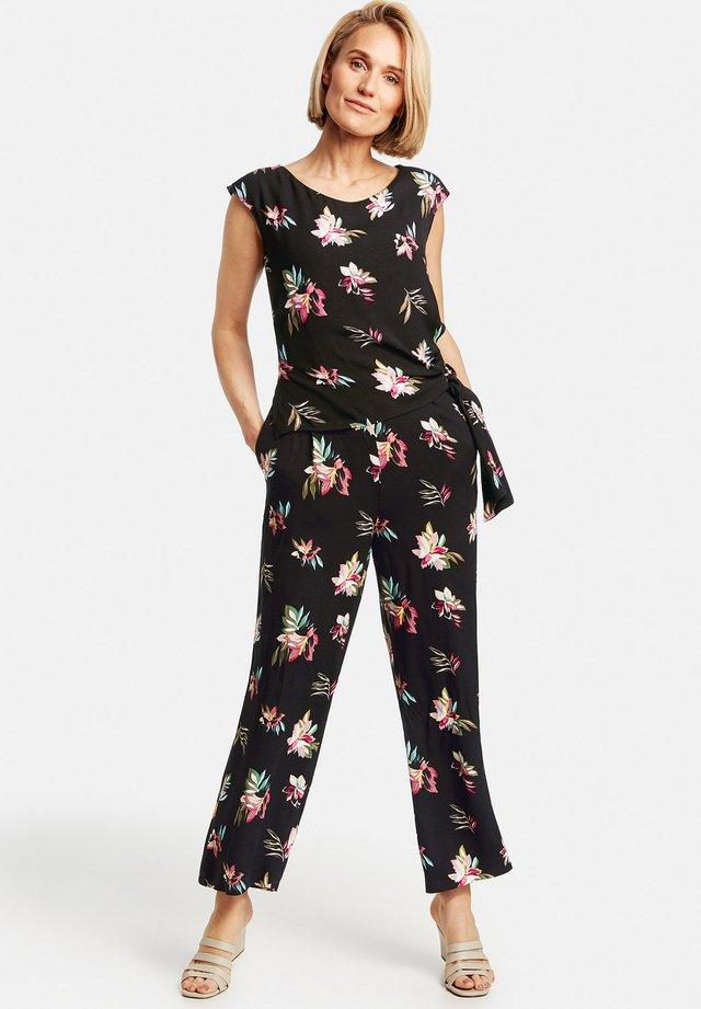 MIT WICKELEFFE - Jumpsuit - schwarz/lila/pink multicolor