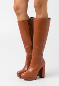 Bullboxer - High heeled boots - brown - 0