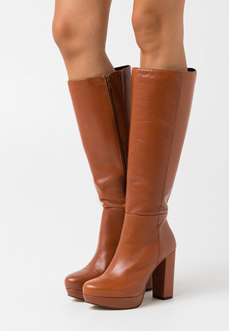 Bullboxer - High heeled boots - brown