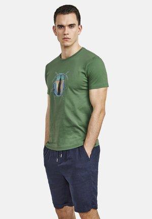 BEETLE - Print T-shirt - green