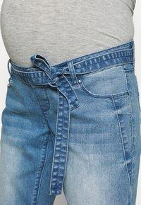 MAMALICIOUS - MLNATAL COMFY - Denim shorts - light blue denim - 5