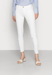 Lindex - TROUSERS TOVA CROPPED - Jeans slim fit - off white - 0