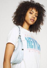 Gina Tricot - IDA TEE - Camiseta estampada - offwhite - 3
