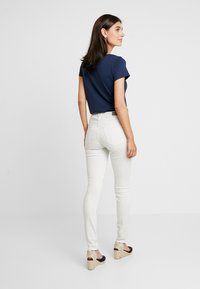 Esprit - Jeansy Skinny Fit - white - 2