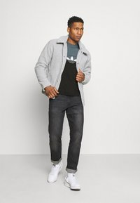 adidas Originals - SLICE BOX - T-shirts print - black/blue oxide - 1