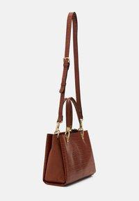 PARFOIS - MIMOSA - Handbag - camel - 1