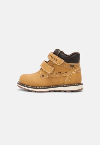 Touch-strap shoes - camel