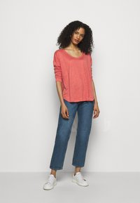 CLOSED - WOMENS - Long sleeved top - dusty coral - 1