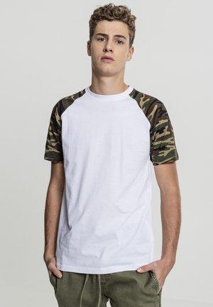 RAGLAN CONTRAST  - Print T-shirt - white/dark green