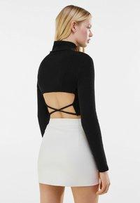 Bershka - MIT REISSVERSCHLUSS - Wrap skirt - stone - 3
