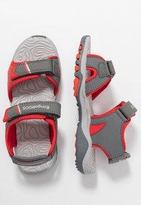 KangaROOS - K-TRACK - Chodecké sandály - steel grey/red - 0