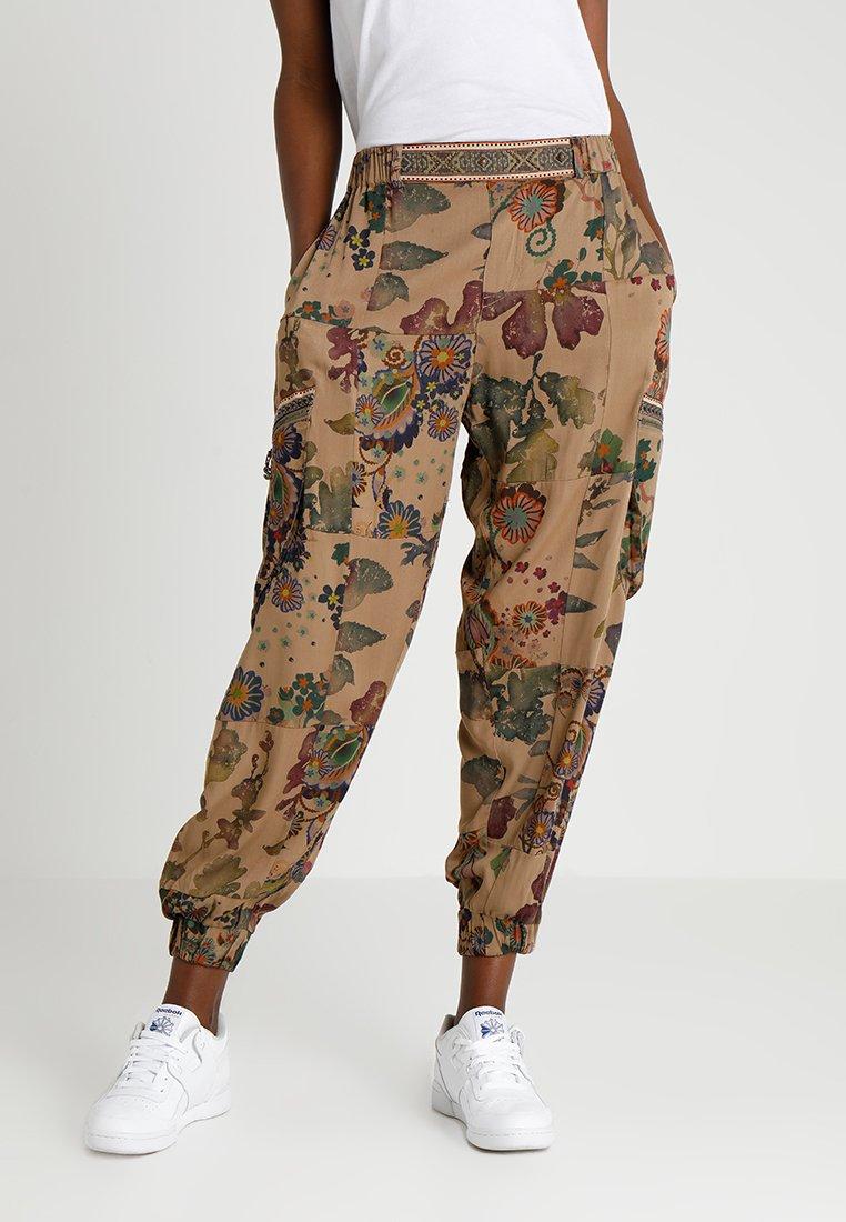 Desigual - PANT CLARIS - Trousers - green