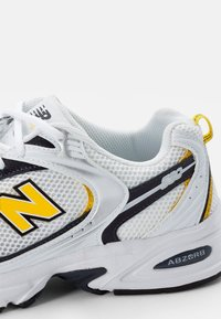 New Balance - 530 - Sneakers - white - 5