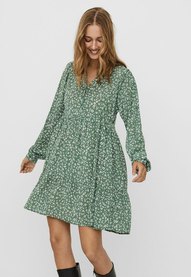 VMJULES EXP - Shirt dress - comfrey