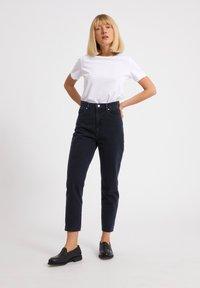 ARMEDANGELS - MAIRAA  - Slim fit jeans - black/blue - 1