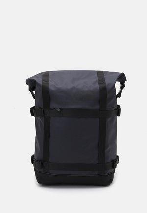 COMMUTER PACK ROLL TOP UNISEX - Sac à dos - navy/black