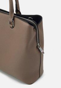 ALDO - SIGOSSA - Briefcase - dark beige - 3