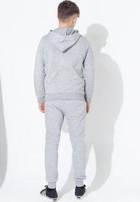 Hype - DOUBLE LOGO PRINT - Hoodie - grey - 2