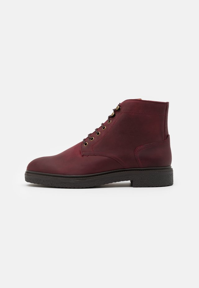 JENNINGS - Lace-up ankle boots - bordo