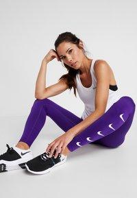 Nike Performance - RUN - Trikoot - court purple/white - 3