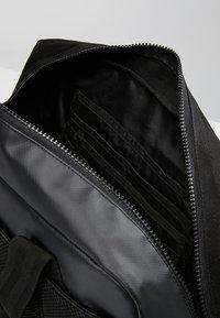 Superdry - FREELOADER LAPTOP BAG - Taška na laptop - black - 5