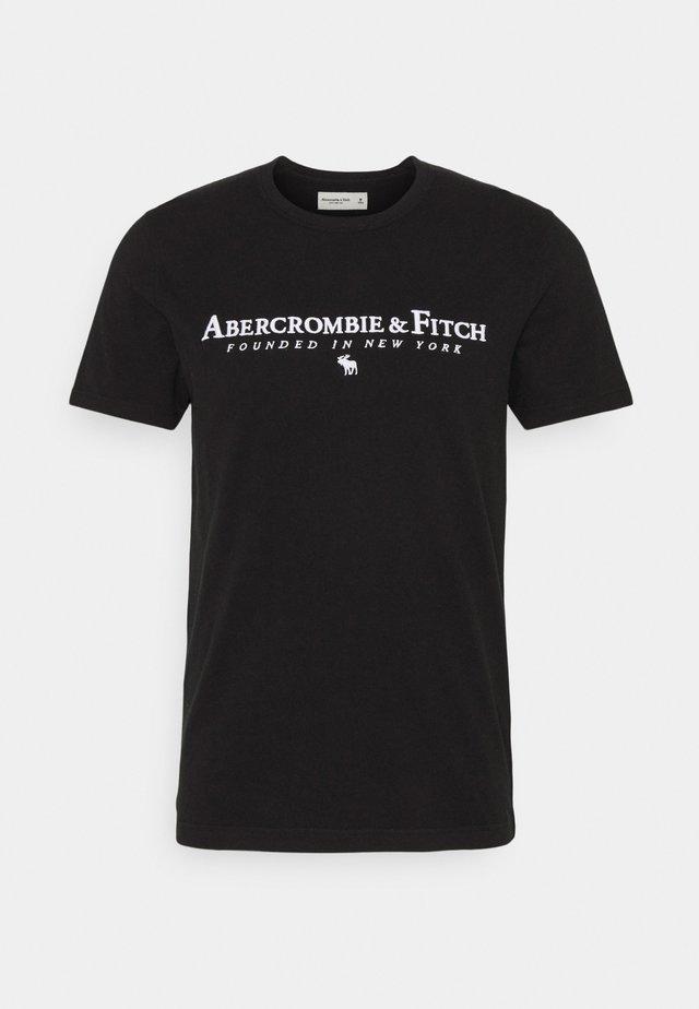 CROSS CHEST TECH - T-shirt imprimé - black