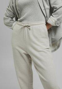 edc by Esprit - Tracksuit bottoms - light grey - 6