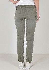 Buena Vista - Slim fit jeans - green - 1