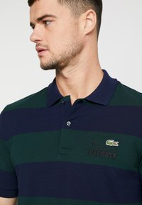 Lacoste LIVE - Polo - sinople/navy blue - 4