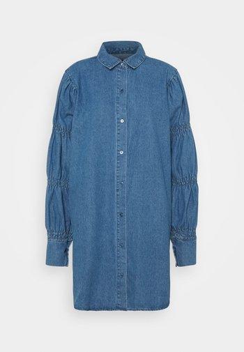 PUFF SLEEVE DRESS - Denim dress - blue