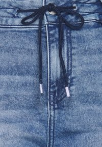 edc by Esprit - BOYFRIEND - Jeans relaxed fit - blue denim - 3