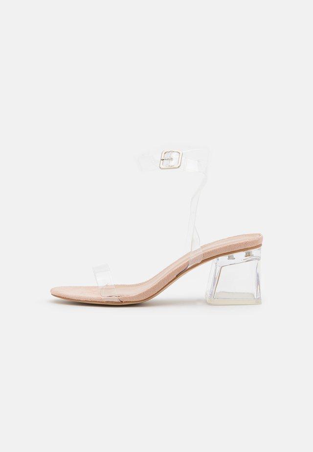 DIZZI - Sandaler - clear