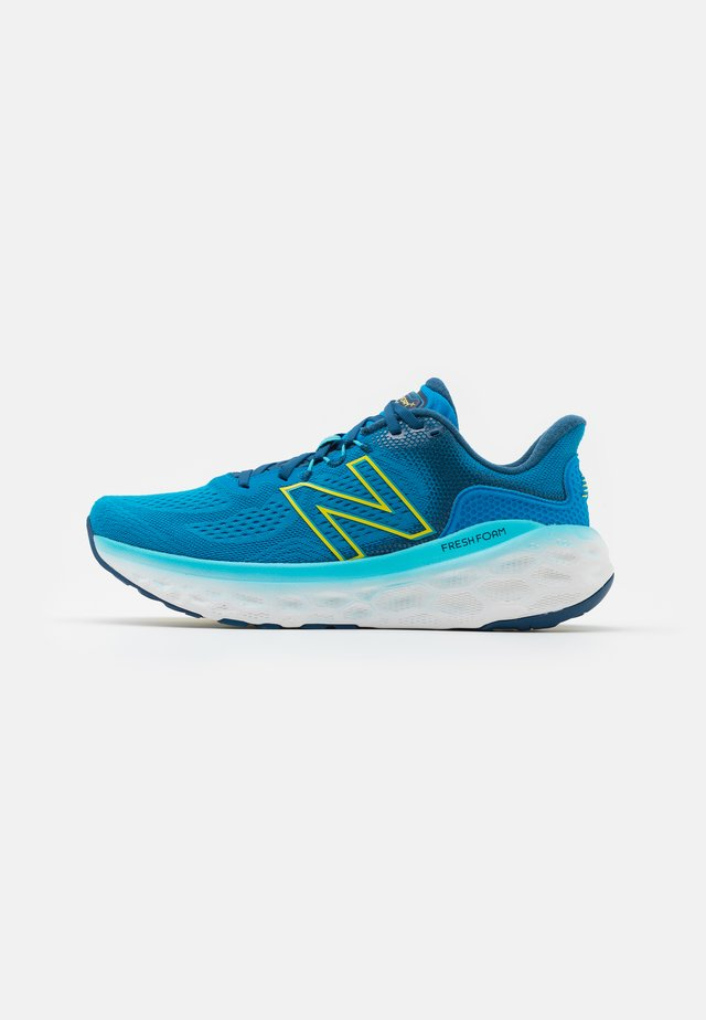MORE V3 - Zapatillas de running neutras - turquoise