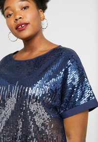 Simply Be - SEQUIN BOXY - Blůza - navy ombre - 4