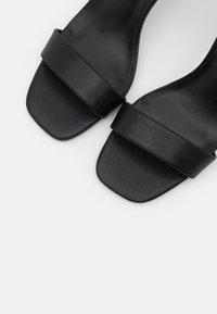 Versace Jeans Couture - Sandales à talons hauts - nero - 6