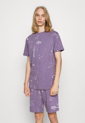 WASHED TEE AND SHORT SET - Teplákové kalhoty - lilac