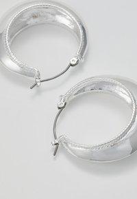Pilgrim - EARRINGS AIR - Øreringe - silver-coloured - 2