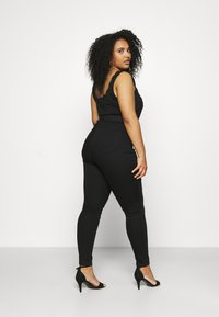 Dorothy Perkins Curve - PREMIUM EDEN - Slim fit jeans - black - 2