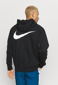 Nike Sportswear - M NSW HOODIE FZ FT - Zip-up hoodie - black/university red - 2
