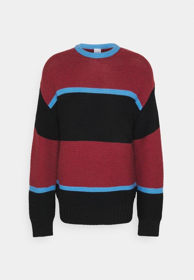 GENTS CREW NECK - Jersey de punto - dark red/black/blue