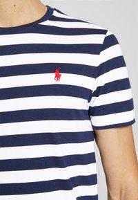 Polo Ralph Lauren - Print T-shirt - french navy/white - 5