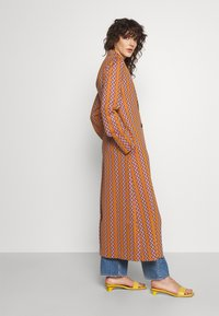 M Missoni - DUST COAT - Classic coat - pumpkin/giallo/blood/candy - 4