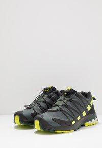 Salomon - XA PRO 3D GTX - Scarpe da trail running - urban chic/black/lime punc - 2