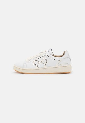 GRANDMASTER MICKEY HOLED - Sneakers laag - white