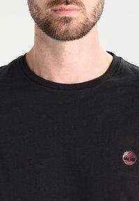 Timberland - CREW CHEST - Basic T-shirt - black - 3