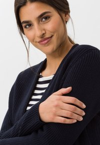 BRAX - STYLE ANIQUE - Cardigan - navy - 3