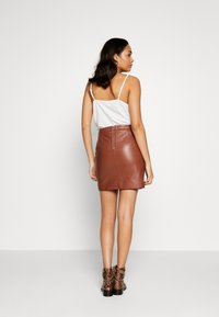 Object - OBJCHLOE SKIRT SEASONAL - Skinnskjørt - brown patina - 2