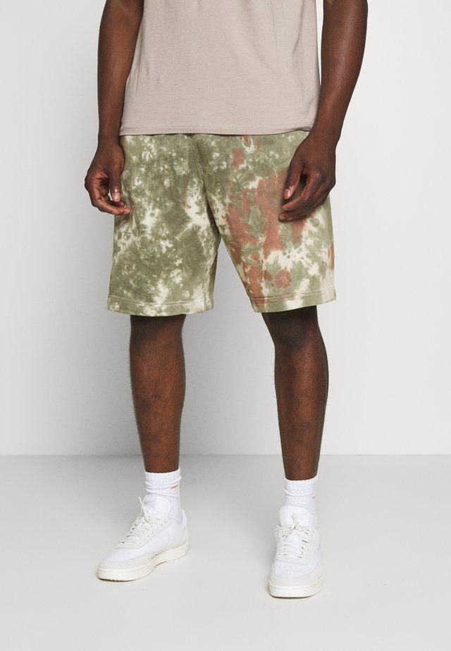 Shorts - medium olive/medium olive/(white)