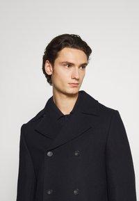 Isaac Dewhirst - PEA COAT - Lehká bunda - dark blue - 3