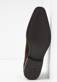 Pier One - Smart lace-ups - dark brown - 4